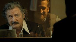 """Le deuxième film de Nicolas Bedos, """"La Belle Époque"""", consacré à la passion amoureuse, sort en salles mercredi 6 novembre. Plusieurs stars sont à l'affiche, dont Daniel Auteuil. (Julien Panié / Pathé Distribution)"""