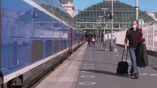Paris-Nice : sur les rails des vacances (France 2)