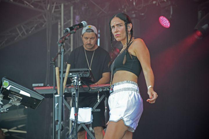 La chanteuse franco-vénézuélienne ouvre la troisième et dernière journée de l'édition 2019 de Rock en Seine, le 25 août, sur la scène des 4 Vents. (JULES BOUDIER                   )
