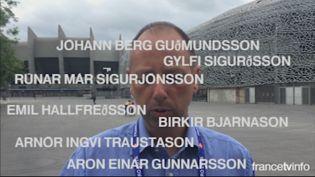 Capture d'écran de la vidéo où un membre de la fédération de football islandaise prononce les noms des joueurs. (FRANCETV INFO)