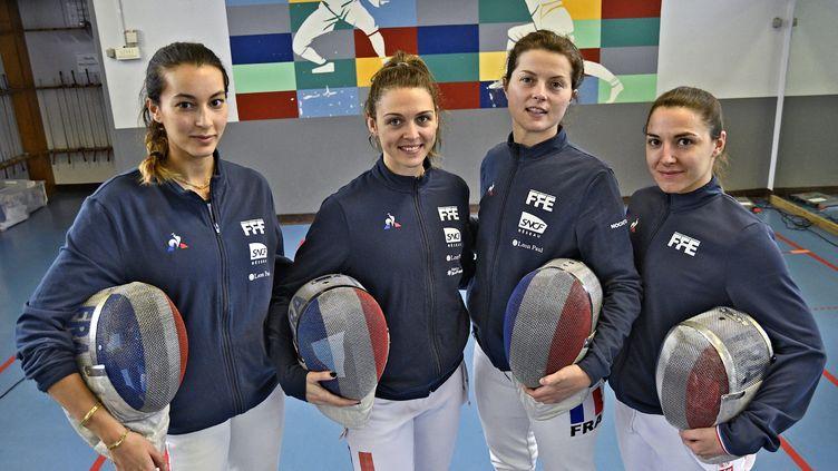 L'équipe de France d'escrime avec, de gauche à droite,Sara Balzer, Manon Brunet, Cecilia Berder et Charlotte Lembach, en mai 2021. (ST?PHANE GUIOCHON / MAXPPP)
