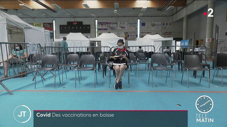Dans un centre de vaccination. (France 2)