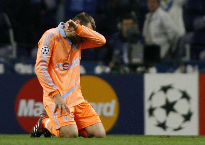 La déception de Gaël Givet au coup de sifflet final. (MIGUEL RIOPA / AFP)