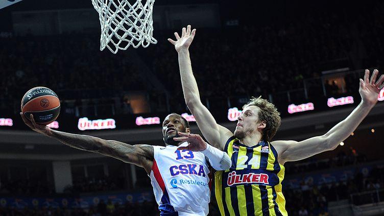 Sonny Weems et le CSKA restent intouchables cette saison en Euroligue (OZAN KOSE / AFP)