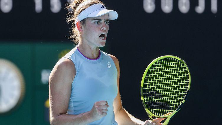 L'Américaine Jennifer Brady lors de la demi-finale de l'Open d'Australie contre Karolina Muchova, le 18 février 2021 à Melbourne (DAVID GRAY / AFP)