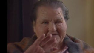 Sur les traces d'une icône publicitaire des années 80 : la mère Denis. Elle est devenue une star sur le tard : à 79 ans ! Sa mémoire continue d'être célébrée dans son village. (FRANCE 3)