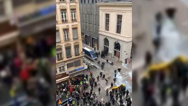 Le croisement de la rue de la Barre et de la Bellecordière, à Lyon, le 11janvier 2020. (EIRAMNIFFAC / TWITTER)