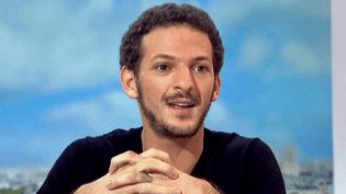 """Vincent Dedienne invité du journal de France 2 pour son premier one man show """"S'il se passe quelque chose""""  (France 2 / Culturebox)"""