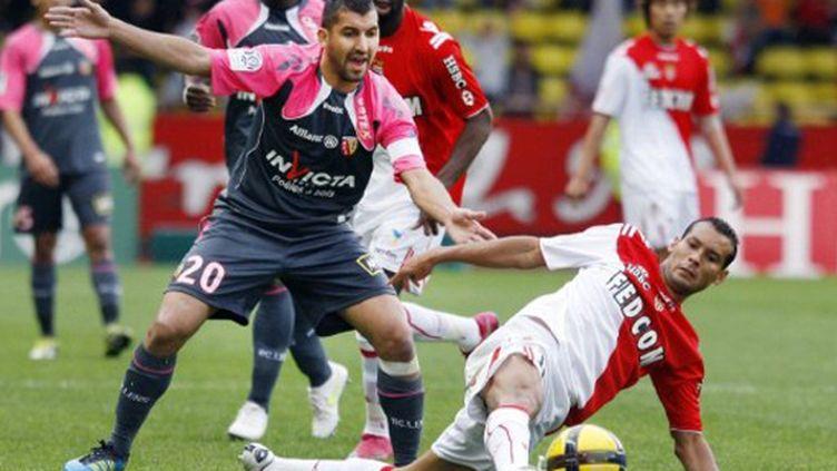 Duel entre Adil Hermach et Adriano lors de Monaco/Lens