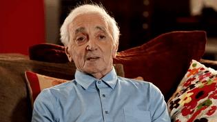 Charles Aznavour évoque Piaf et Trenet dans un entretien inédit  (Universal)
