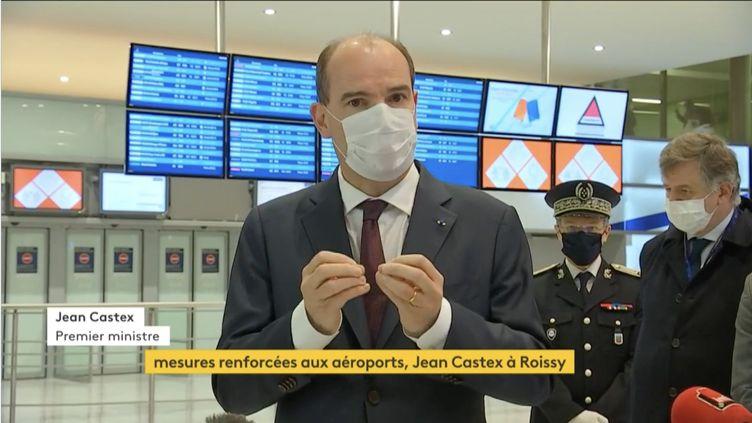 Le Premier ministre, Jean Castex, à l'aéroport de Roissy (Val-d'Oise), le 25 avril 2021. (CAPTURE ECRAN / FRANCEINFO)