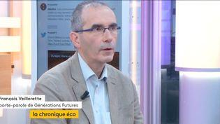 Invité de Stéphane Dépinoy, mardi 19 septembre, François Veillerette, directeur de Générations Futures,est revenu sur la polémique autour de l'herbicide présent dans certains produits de consommation. (FRANCEINFO)