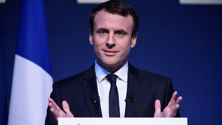 Le candidat d'En marche ! Emmanuel Macron, le 2 mars 2017 à Paris. (LIONEL BONAVENTURE / AFP)