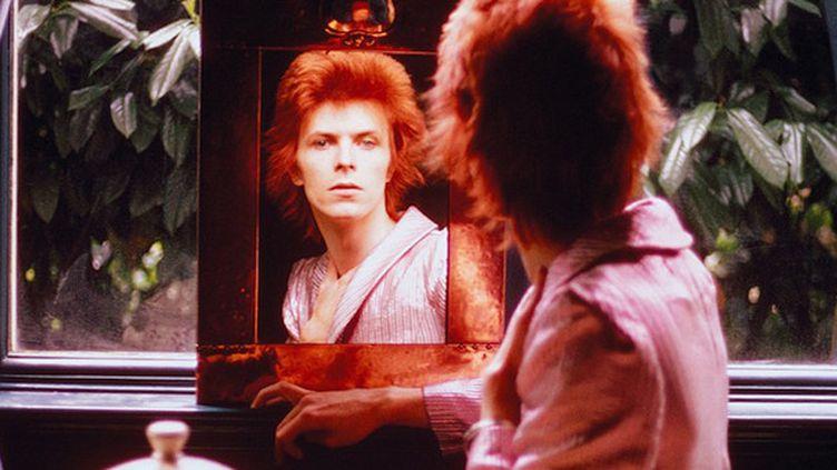 """David Bowie sur une des trois pochettes de la compilation """"Nothing Has Changed"""".  (DR)"""