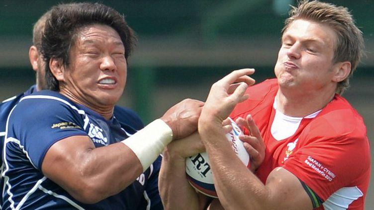 Dan biggar (Galles) et Takashi Kikutani (Japon).