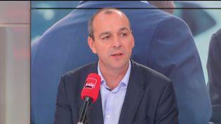 """Capture d'écran de l'interview de Laurent Berger (CFDT), le 25 septembre 2016, sur le plateau de """"Questionspolitiques"""". (FRANCEINFO)"""
