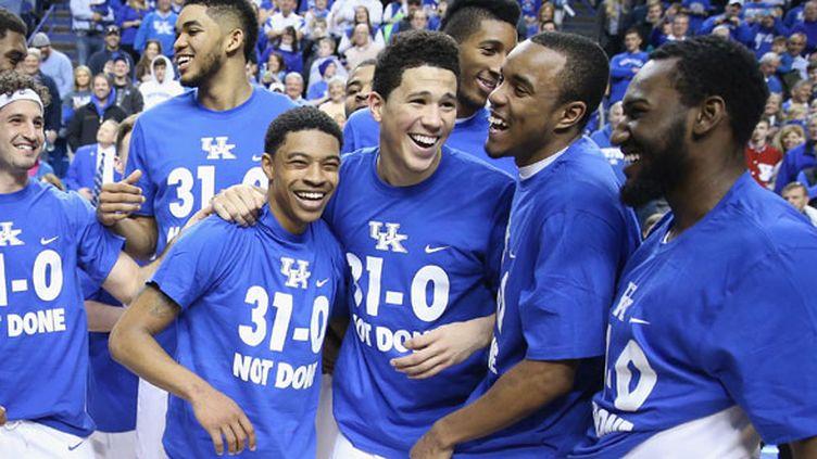 La joie des joueurs de Kentucky après leur 31e succès en saison régulière en NCAA