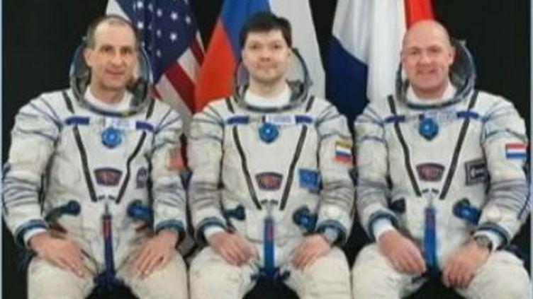 les Russes Anton Chklaperov et Anatoli Ivanichine, ainsi que l'Américain Dan Burbank, a touché le sol dans la région Arkalyk (Kazakhstan) (CAPTURE D'ECRAN NASA)