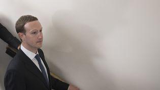 Mark Zuckerberg, patron de Facebook, quitte le Capitole à Washington DC, le 9 avril 2018. (JIM WATSON / AFP)