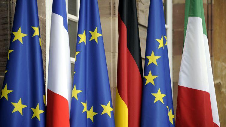 Les drapeaux européen, français, allemand et italien le 24 novembre 2011 à Strasbourg. Image d'illustration. (MAXPPP)