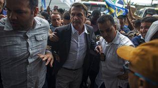 Jair Bolsonaro,le candidat d'extrême droite poignardélorsd'un bain de foule, avait appeléà mitrailler les militants du parti des travailleurs. (MAURO PIMENTEL / AFP)