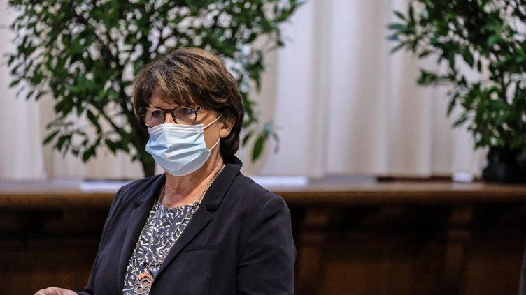 La maire socialiste de Lille (Nord), Martine Aubry, dans sa mairie, le 25 septembre 2020. (CELIA CONSOLINI / HANS LUCAS / AFP)