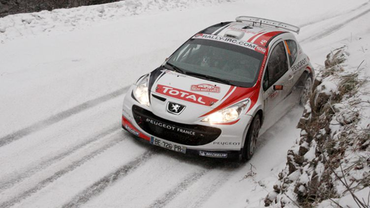 Bryan Bouffier (Peugeot) lors du rallye Monte Carlo (ANDRE LAVADINHO / AGENCE S PRESSE)