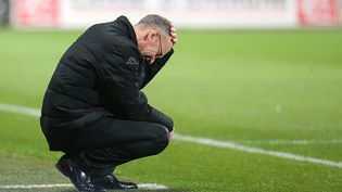 Jean-Marc Furlan, alors entraîneur de Troyes, lors d'un match (perdu) face à Lyon, le 31 octobre 2015. (FRANCOIS NASCIMBENI / AFP)