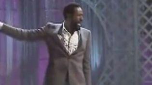 Marvin Gaye est mondialement connu pour ses sons romantiques et ses ballades amoureuses. Pourtant, il avait tenté d'imposer ses chansons engagées. (FRANCE 3)