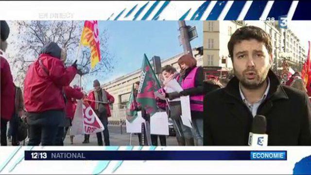 Economie : les salariés de Vivarte manifestent pour défendre leurs emplois