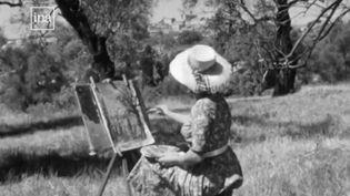 Une femme peint un paysage de Haut-de-Cagnes (Alpes-Maritimes). (FRANCE 2)