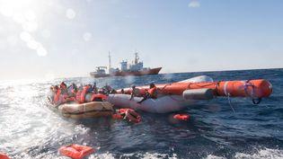 Opération de sauvetage de migrants, en mer Méditerranée, le 27 janvier 2018. Image d'illustration. (MAXPPP)