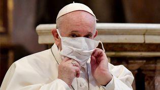 Le pape François à la basilique Sainte-Marie à Rome (Italie), le 20 octobre 2020. (ANDREAS SOLARO / AFP)