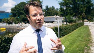 Le président socialiste du conseil régional de Bretagne, Loïg Chesnais-Girard, le 25 juin 2020 à Epiniac (Ille-et-Villaine). (VALENTIN BELLEVILLE / HANS LUCAS / AFP)