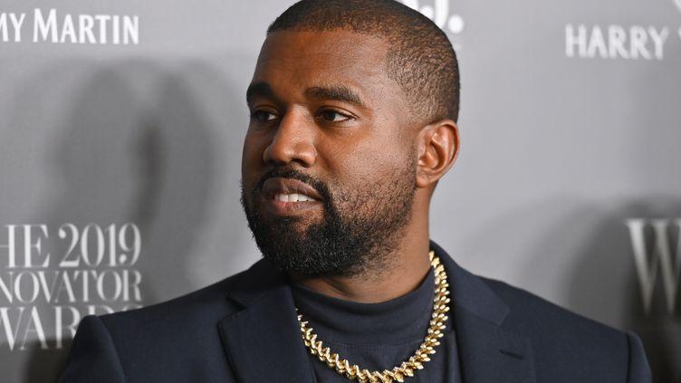 Kanye West lors d'une remise de prix, à New York, le 6 novembre 2019. (ANGELA WEISS / AFP)