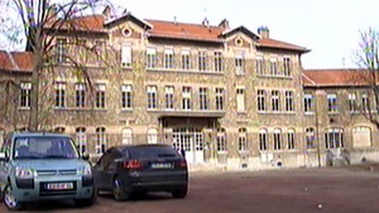 le lycée Adolphe Chérioux où un lycéen a été agressé le 2 fevrier (France2)