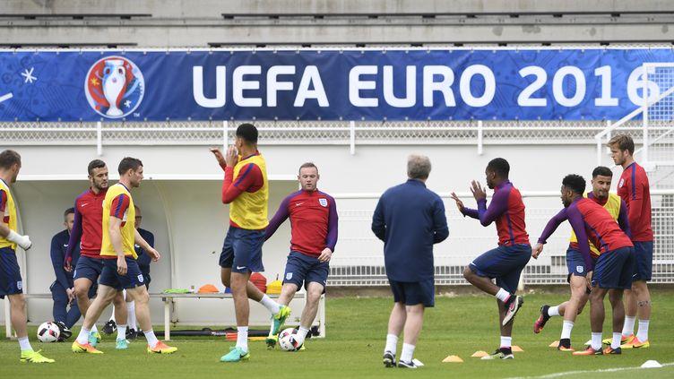 L'équipe d'Angleterre à l'entraînement avant d'affronter l'Islande.  (MIGUEL MEDINA / AFP)