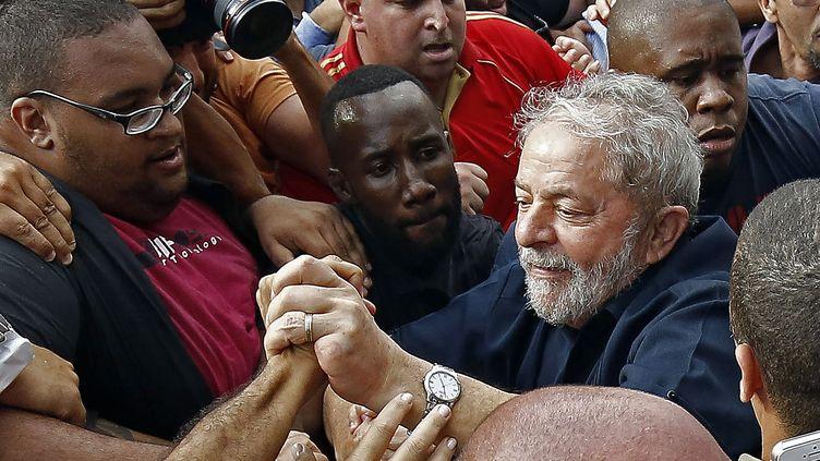 Luiz Inacio Lula da Silva, l'ancien président du Brésil, le 4 mars 2016 à Sao Paulo (Brésil). (MIGUEL SCHINCARIOL / AFP)