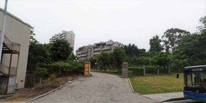 L'entrée de l'adresse officielle de la base 311, QG militaire des opérations d'influence chinoises, dissimulé à proximité d'une piscine dans la ville de Fuzhou. (DOCUMENT IRSEM)