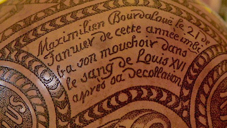 La calebasse contenant le mouchoir, qui date du XVIIIe siècle, était détenue par une famille aristocratique italienne. (CARLES LAZUELA-FOX)