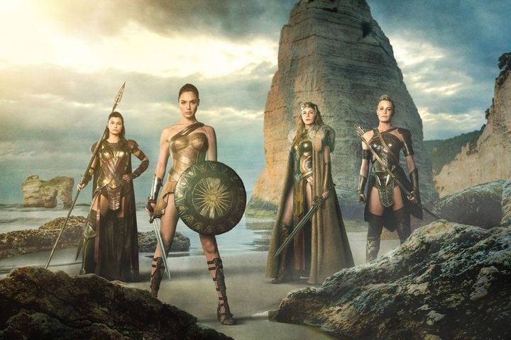 "Connie Nielsen, Gal Gadot, Lisa Loven Kongsli, Robin Wright dans ""Wonder Woman"" de Patty Jenkins  (Warner Bros. France)"
