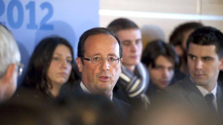 Hollande à Pierrefitte-sur-Seine en janvier 2012 (FRED DUFOUR / AFP)
