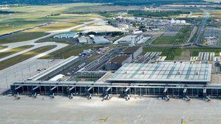L'aéroport de Berlin et le gaspillage des fonds européens (FRANCETV INFO)