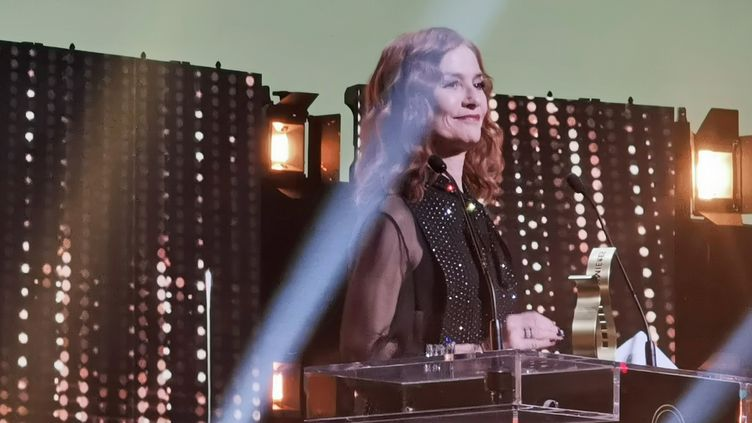 Isabelle Huppert, présidente de la 25e cérémonie des Lumières le 27 janvier 2020. (Sylvain Charbonneau pour France Info Culture)