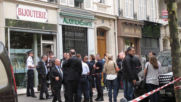 Un bijoutier a tué un homme qui braquait sa boutique, située dans le 7e arrondissement de Paris, le 19 juillet 2012. (CELINE CAREZ / LE PARISIEN / MAXPPP)