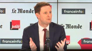 Clément Beaune, secrétaire d'État aux Affaires européennes, invité de franceinfo et France Inter, le 28 février 2021. (CAPTURE ECRAN / FRANCEINFO)
