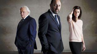 """Niels Arestrup, Kad Merad et Anna Mouglalis, qui tiennent les rôles principaux de la série """"Baron noir"""", diffusée sur Canal+ début 2016. (MATHIEU ZAZZO / CANAL PLUS)"""