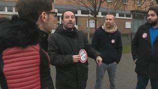 "Des ""stylos rouges"". (France 2)"