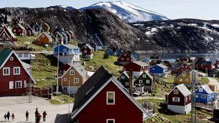 Upernavik, un petit villagede l'ouest du Groenland (Danemark), le 11 juillet 2015. (LINDA KASTRUP / RITZAU SCANPIX / AFP)
