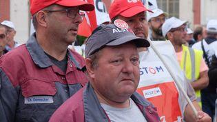Claude, salarié d'Alstom de 53 ans, lors d'une manifestation à Belfort (Territoire de Belfort), jeudi 15 septembre 2016. (MARIE-ADELAIDE SCIGACZ / FRANCEINFO)